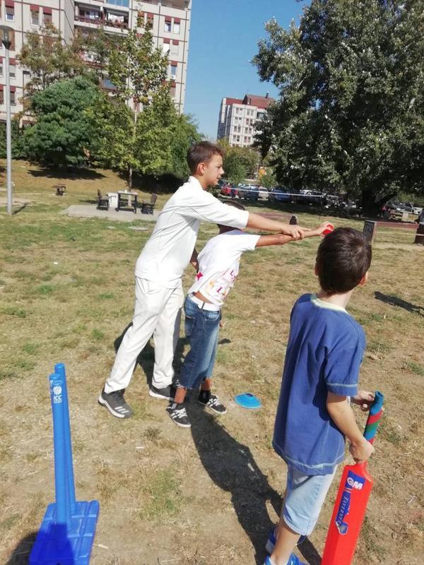 """Крикет радионица у оквиру фестивала """"Мој лепи парк""""."""