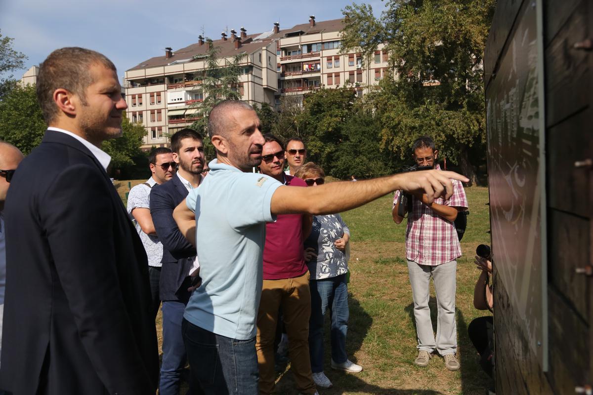 Еколошка радионица са Главним градским урбанистом Милутином Фолићем о уређењу и оплемењивању Блок 19а.