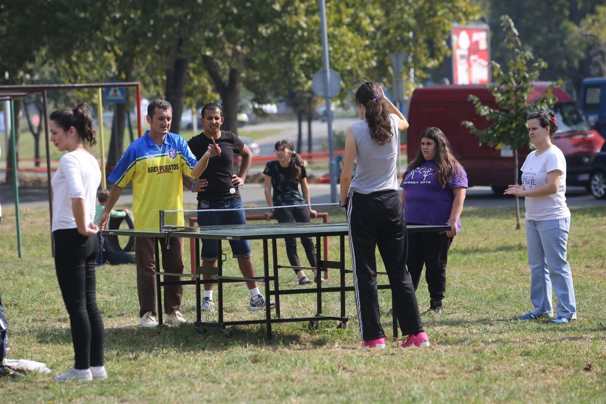 """Стони тенис на отвореном у оквиру фестивала """"Мој лепи парк 2016""""."""